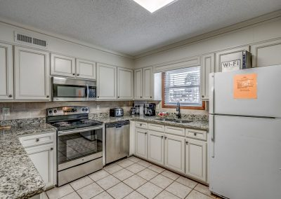 Myrtle Beach Rentals 10-bedroom ocean view Coral Breeze in the Crescent Beach section of North Myrtle Beach, South Carolina image 111