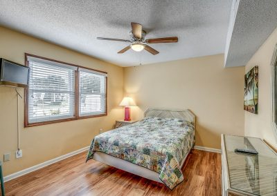 Myrtle Beach Rentals 10-bedroom ocean view Coral Breeze in the Crescent Beach section of North Myrtle Beach, South Carolina image 119