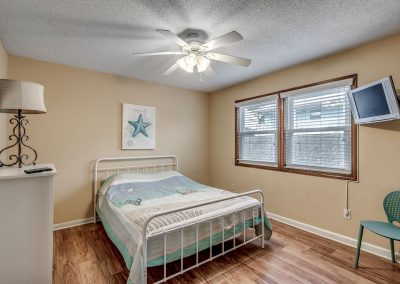 Myrtle Beach Rentals 10-bedroom ocean view Coral Breeze in the Crescent Beach section of North Myrtle Beach, South Carolina image 127