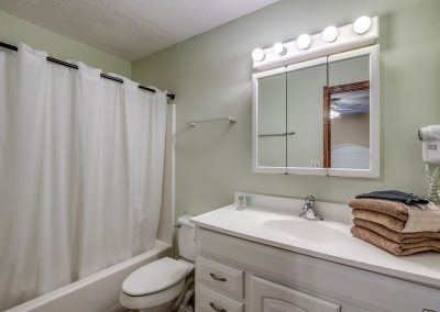 Myrtle Beach Rentals 10-bedroom ocean view Coral Breeze in the Crescent Beach section of North Myrtle Beach, South Carolina image 128
