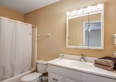 Myrtle Beach Rentals 10-bedroom ocean view Coral Breeze in the Crescent Beach section of North Myrtle Beach, South Carolina image 146