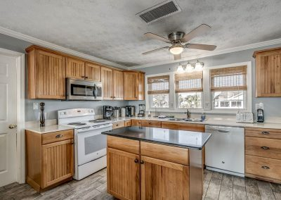 Myrtle Beach Rentals Luxury OCEANFRONT 8 Bedroom Home w/ Private Pool & Hot Tub! image 118